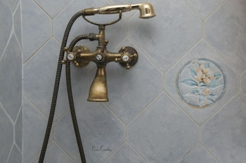 Alana Pension - Bathroom Shower  - #0