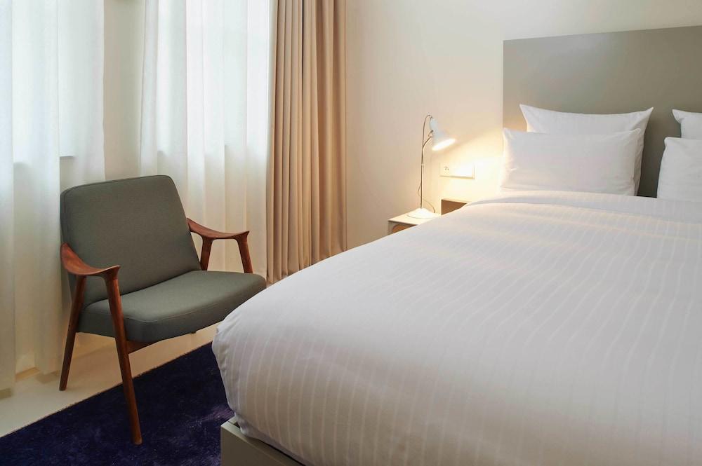 9 ホテル サブロン