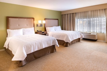 Room, 2 Queen Beds, Accessible, Bathtub (Mobility & Hearing, Non Smoking)