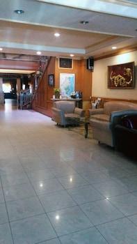 ホテル ブアナ レスタリ