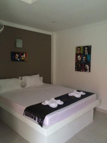 Eolia Beach Resort, Mittakpheap
