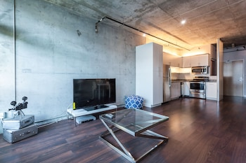 Luxury Loft, 1 Bedroom 4 (with air mattress on request)