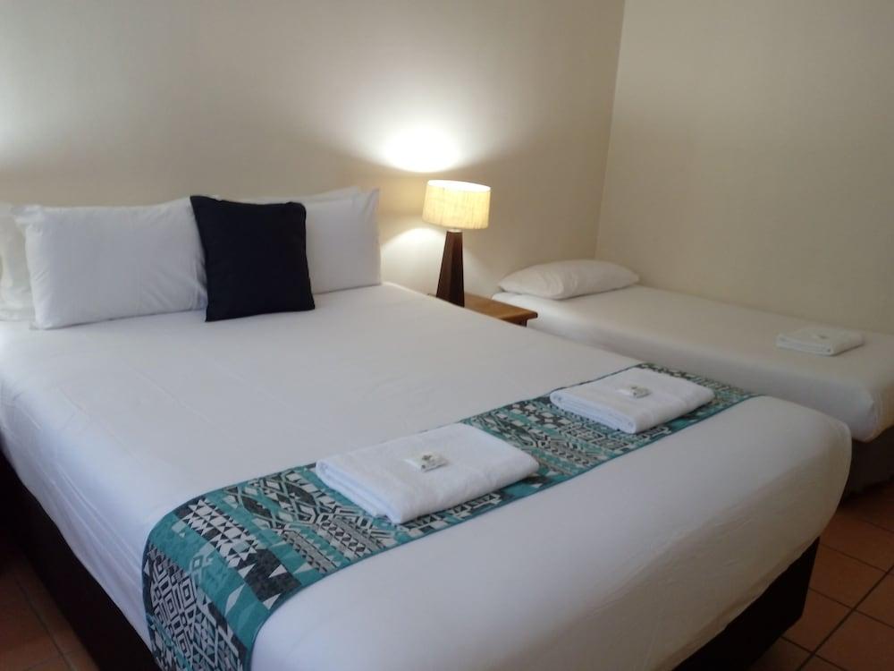 Hotel Lake Central
