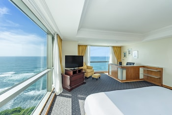 Executive Deluxe Ocean Front Triple Use