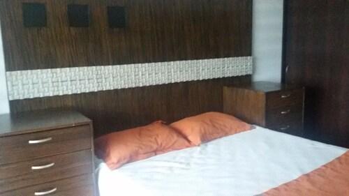 Luxury Apartment 3 r private beach, Salinas