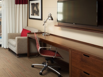 Guestroom at Four Points by Sheraton San Diego - SeaWorld in San Diego