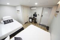 スーペリア ツインルーム ダブルベッド 2 台