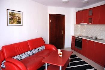 Elegant Lux Aparthotel