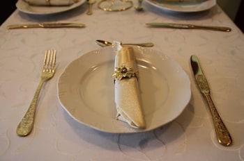 Elegant Lux
