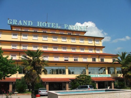 . Grand Hotel Pavone