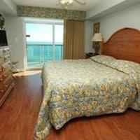 Condo, 3 Bedrooms, Oceanfront (1 King bed 3 Queen beds 1 sofa bed) at Crescent Keyes by Elliott Beach Rentals in North Myrtle Beach