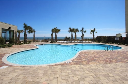 The Palace Resort by Elliott Beach Rentals, Horry