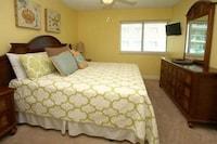 Condo, 4 Bedrooms, Oceanfront (2 King beds 2 Queen beds 1 sofa bed) at Bluewater Keys by Elliott Beach Rentals in North Myrtle Beach