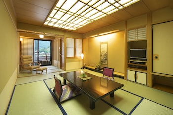 Japanese Style Room with Open-Air Bath, Lake View