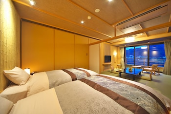 Japanese Western Style Room, Lake View