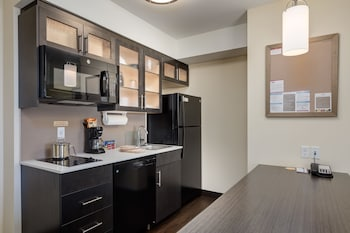 Candlewood Suites Calgary Airport North - In-Room Kitchen  - #0