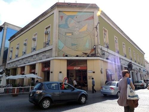Plaza Hotel, Capital