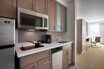 In-Room Kitchen at Residence Inn by Marriott San Diego Downtown/Bayfront in San Diego