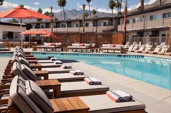 松德爾飯店 - V 棕櫚泉 Sonder at V Palm Springs