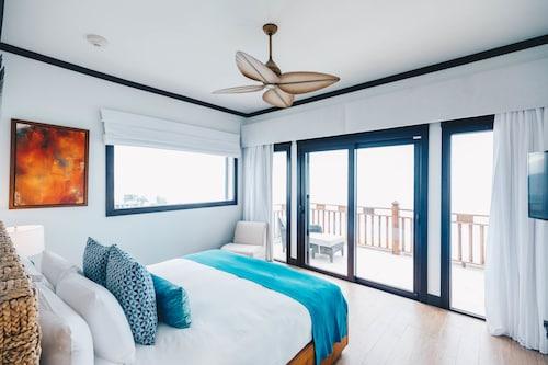 Zemi Beach House Hotel & Spa,