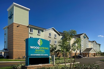 Hotel - WoodSpring Suites Lake Worth