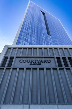 Featured Image at Courtyard Long Island City/New York Manhattan View in Long Island City