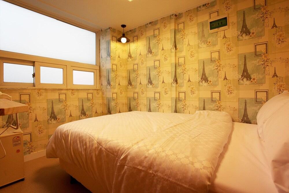ゴンガム ホテル シンチョン