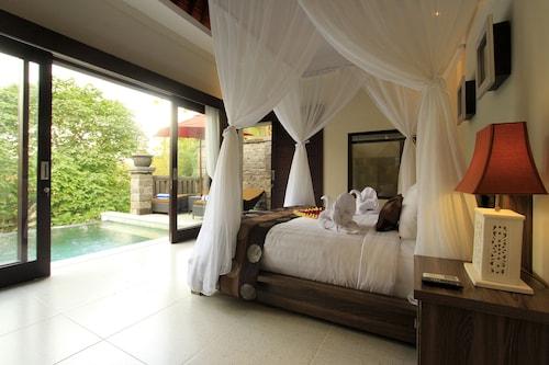 . Griya Shanti Villas & Spa