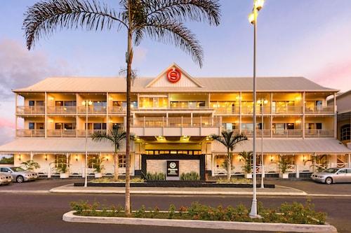 . Sheraton Samoa Aggie Grey's Hotel & Bungalows