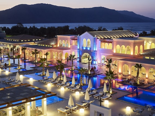. Anemos Luxury Grand Resort
