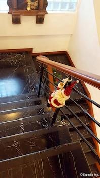 AVITEL HOTEL Staircase