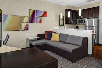 Guestroom at Residence Inn by Marriott Philadelphia Airport in Philadelphia
