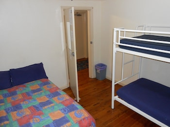 6 Beds Mixed Dormitory Room