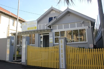 Hotel - Coogee Beachside Budget Accommodation