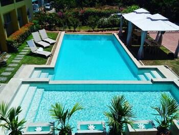 VILLA DEL FARO Infinity Pool