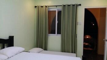 VILLA DEL FARO Room