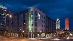 EVEN Hotels Omaha Downtown, an IHG Hotel