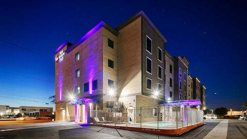 . Best Western Plus Gardena Inn & Suites