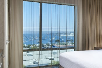 Studio Suite, 1 King Bed, Non Smoking, Harbor View