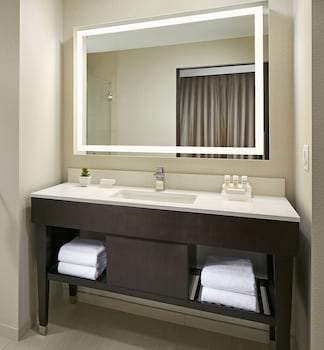 Homewood Suites by Hilton San Diego Downtown/Bayside - Bathroom Sink  - #0