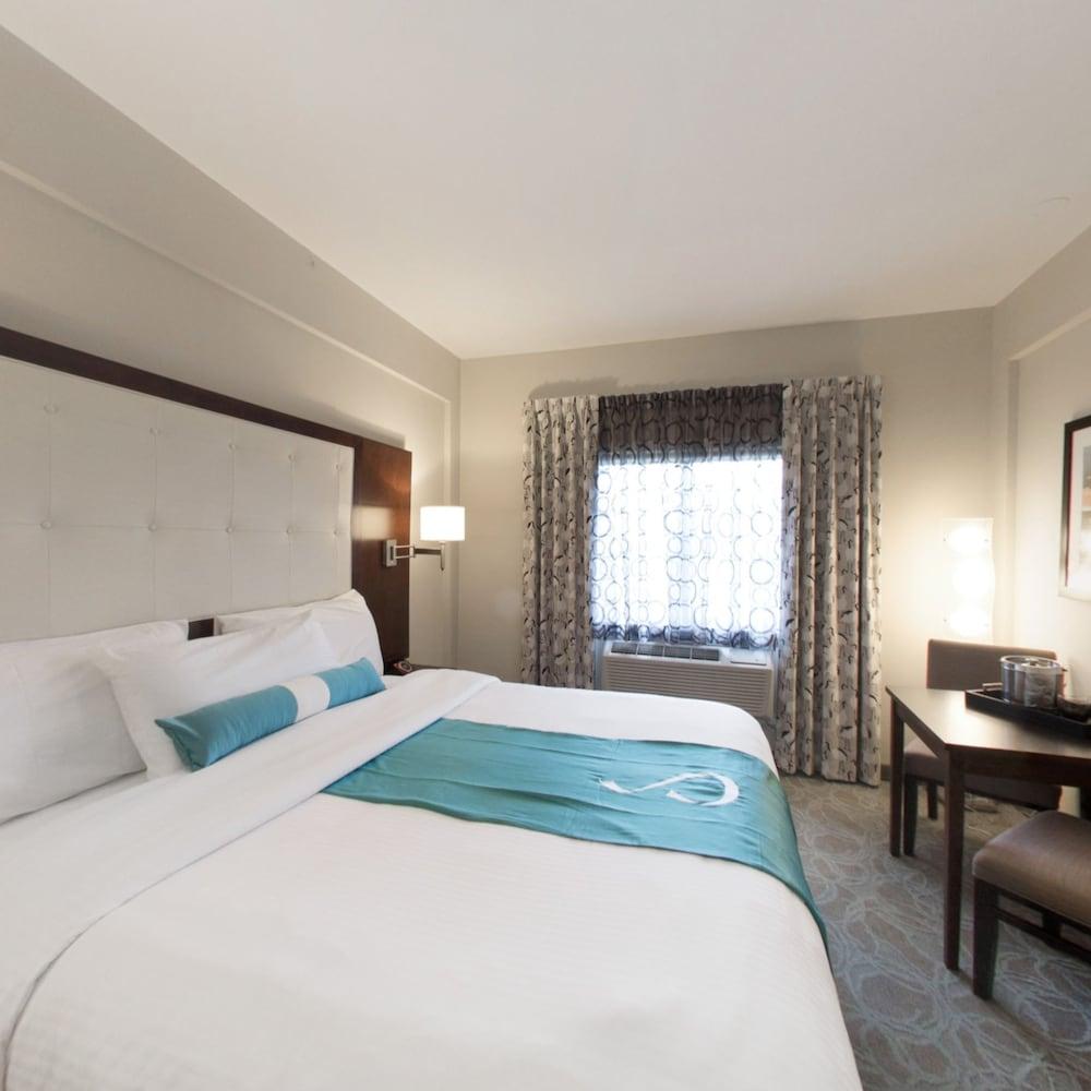 https://i.travelapi.com/hotels/14000000/13160000/13155400/13155354/45ec3997_z.jpg