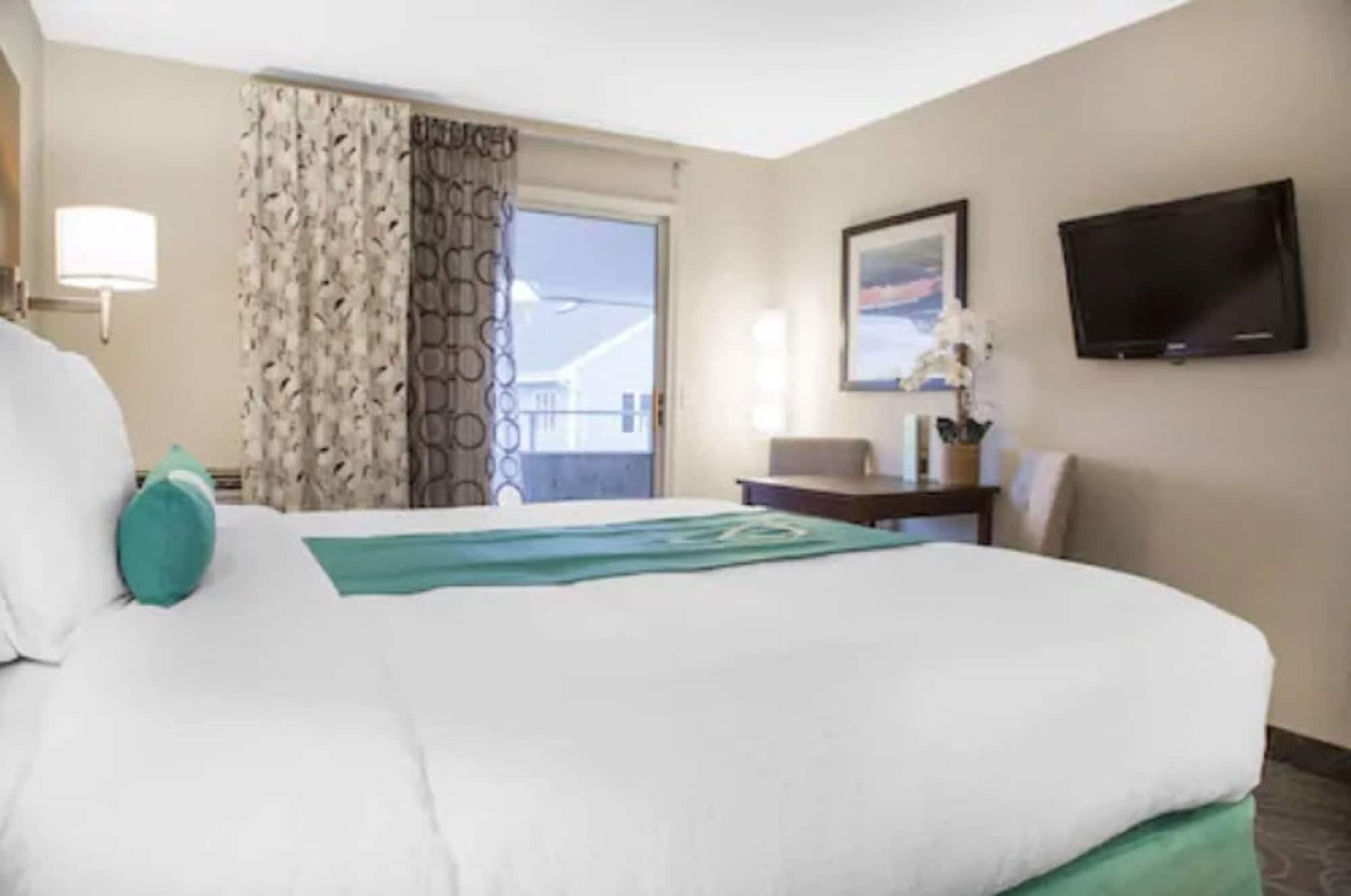 Aqua Blue Hotel & Conference Center, Washington