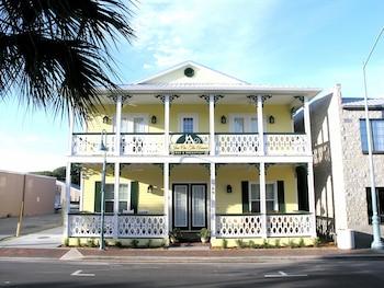 Inn On the Avenue