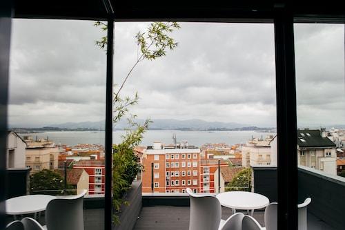 . Hotel Art Santander