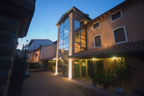 . Residenza L'uncinaia Holiday House