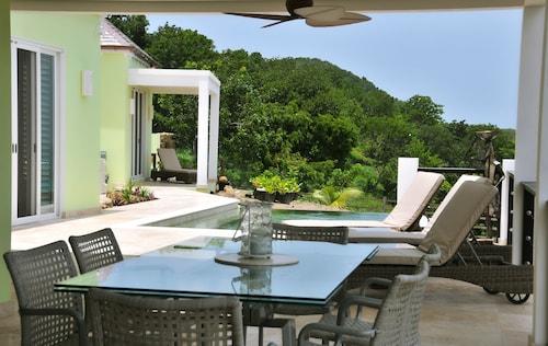 Villa Amazing,
