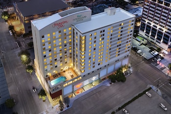 休士頓市中心惠庭套房飯店 Homewood Suites Houston Downtown