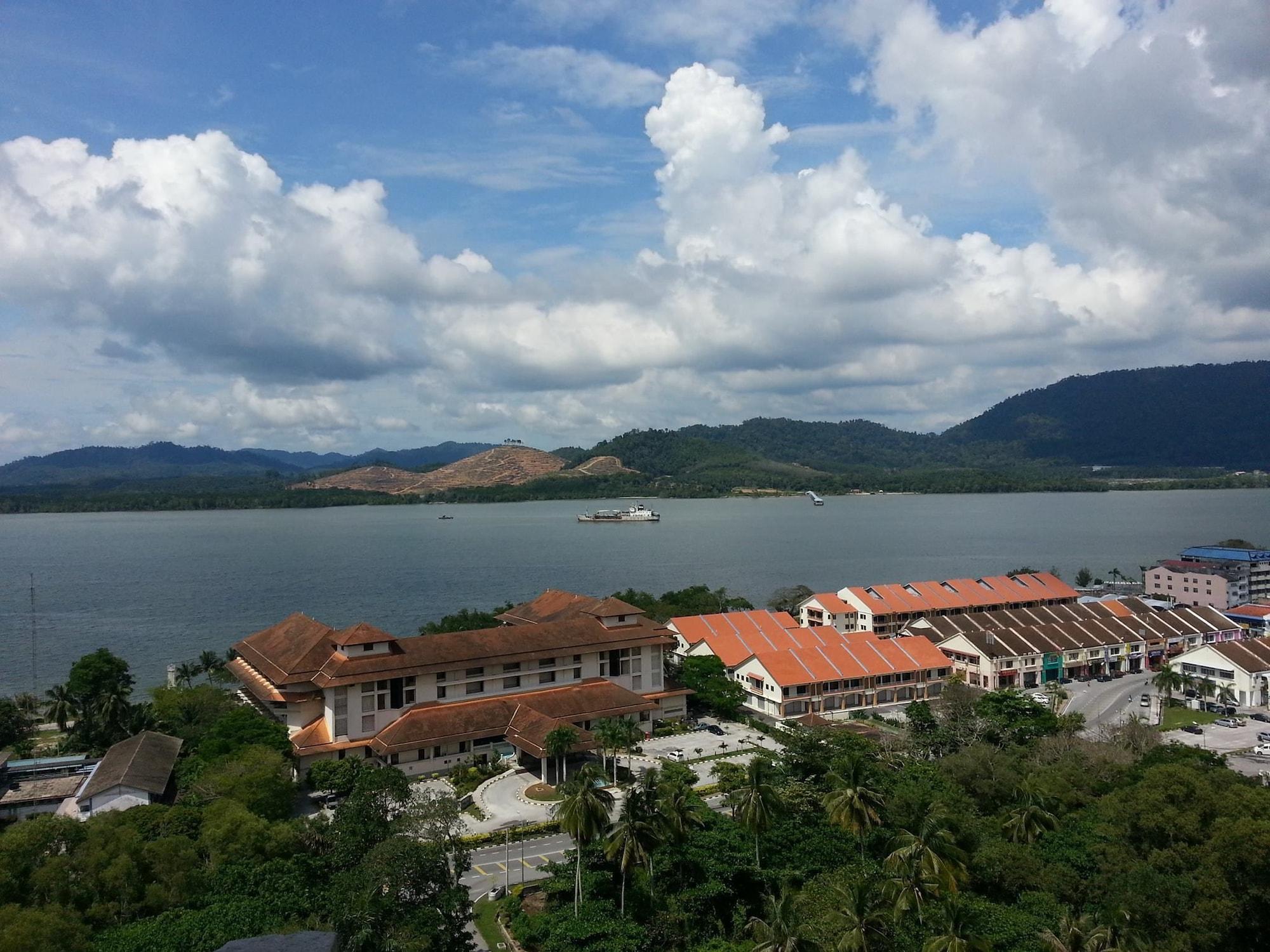 Lumut Valley Resort Condominium, Manjung