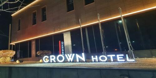 . Crown Hotel Changwon