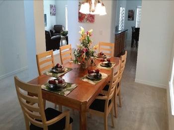 Guestroom at Legacy Park Estates in DAVENPORT